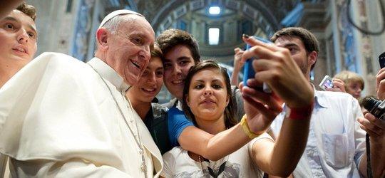 """Papieskie Orędzie na Światowy Dzień Młodzieży  """"Błogosławieni ubodzy w duchu,  albowiem do nich należy królestwo niebieskie"""" (Mt 5,3)"""